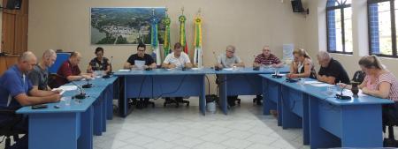 Vereadores Reúnem-se Em Sessão Extraordinária