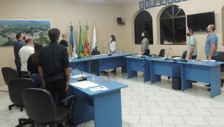 Legislativo aprova contratação de profissionais para atuação na Rede Municipal de Ensino